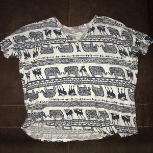 🐘Loose fitting forever 21 elephant top🐘